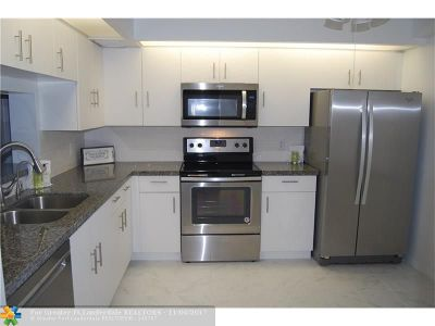 Pembroke Pines Condo/Townhouse For Sale: 12601 SW 13th St #408G