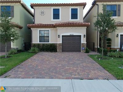 Tamarac Single Family Home For Sale: 4630 NW 58th St