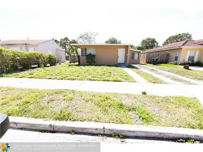 West Palm Beach Single Family Home For Sale: 928 39th St