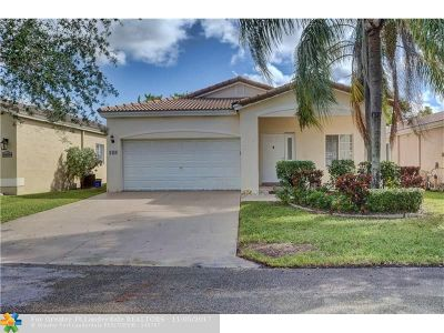 Deerfield Beach Single Family Home For Sale: 1438 SW 45th Way