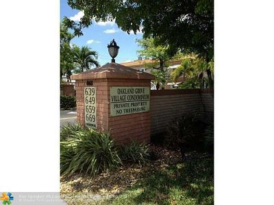 Oakland Park Condo/Townhouse For Sale: 669 W Oakland Park Blvd #115B