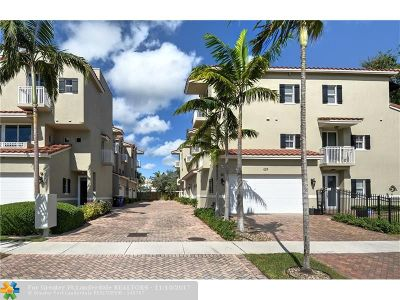 Fort Lauderdale Condo/Townhouse For Sale: 425 SE 13th St #425