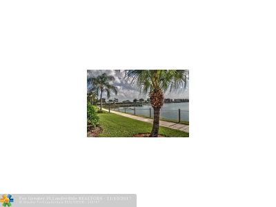 Oakland Park Condo/Townhouse For Sale: 110 Lake Emerald Drive #202