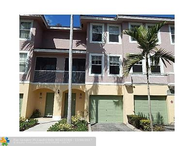 Coral Springs Condo/Townhouse For Sale: 6920 W Sample Rd #6920