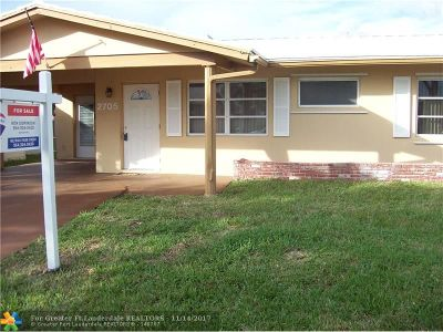 Tamarac Single Family Home For Sale: 2705 NW 55th St