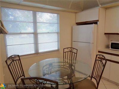 Coconut Creek Condo/Townhouse For Sale: 3305 Aruba Way #K1