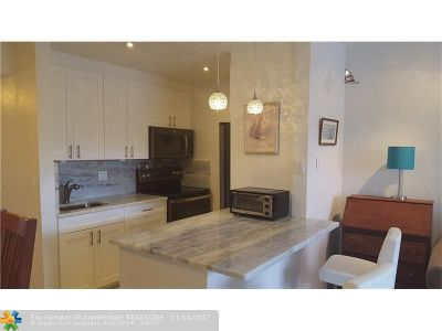 Hallandale Condo/Townhouse For Sale: 467 Golden Isles Dr #202