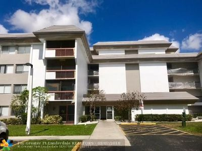 Plantation Condo/Townhouse For Sale: 721 N Pine Island Rd #306