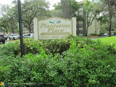 Plantation Condo/Townhouse For Sale: 6700 Cypress Rd #208
