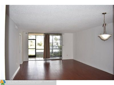 Plantation Condo/Townhouse For Sale: 100 NW 76th Ave #105