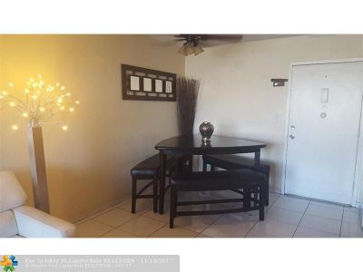 Hallandale Condo/Townhouse For Sale: 601 E Three Islands Blvd #509