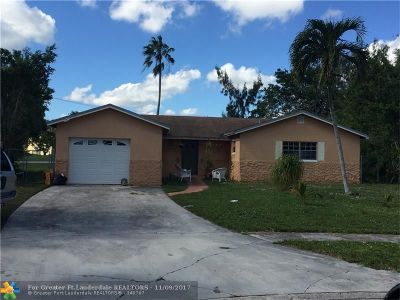 Boca Raton Single Family Home For Sale: 22721 SW 56th Ave