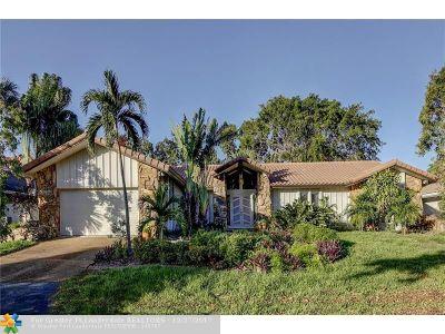 Plantation Single Family Home For Sale: 345 Jacaranda Dr