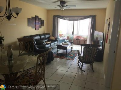 Lauderdale Lakes Condo/Townhouse For Sale: 3091 NW 46th Ave #407