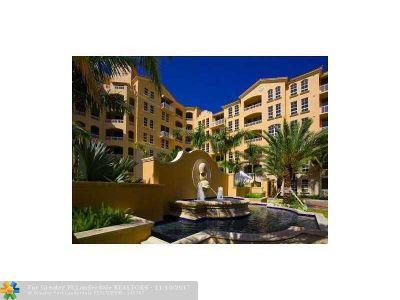 Miami Condo/Townhouse For Sale: 3001 NE 185th St #323