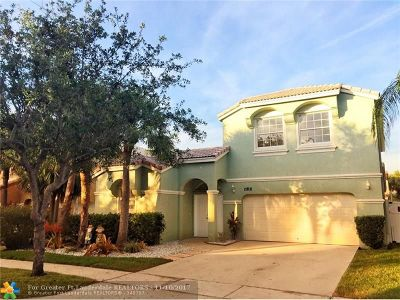Pembroke Pines Single Family Home For Sale: 15831 NW 10th St