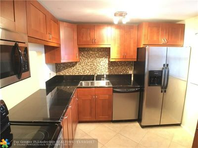 Coral Springs Condo/Townhouse For Sale: 2980 Riverside Dr #223