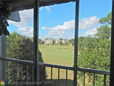Margate Condo/Townhouse For Sale: 7827 Golf Circle Dr #302