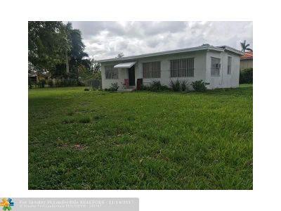 Miami Single Family Home For Sale: 20 NW 161 St