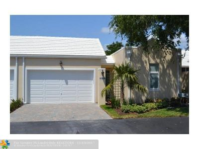 Boca Raton Condo/Townhouse For Sale: 17329 Bermuda Village Dr #17329
