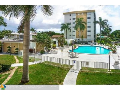 Oakland Park Condo/Townhouse For Sale: 2970 NE 16 Avenue #208