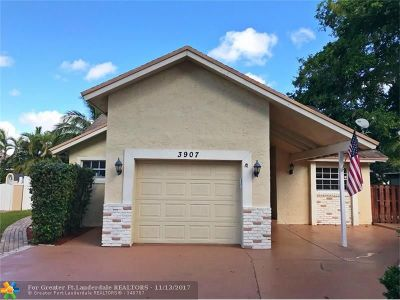 Coral Springs Single Family Home For Sale: 3907 NW 73rd Ter