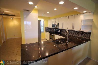 Pompano Beach Condo/Townhouse For Sale: 3499 Oaks Way #501