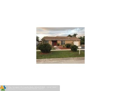 Margate Single Family Home For Sale: 5501 SW 8th Ct