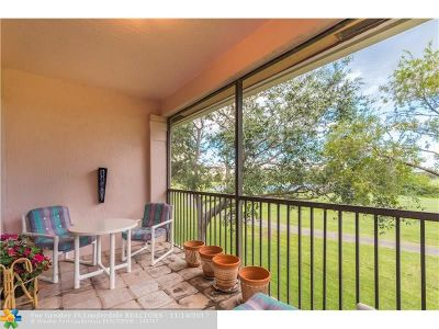 Pembroke Pines Condo/Townhouse For Sale: 401 SW 158th Ter #205