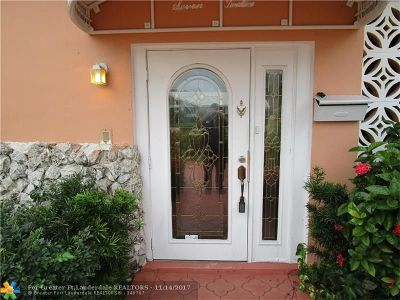 Dania Single Family Home For Sale: 712 SW 2nd Ter
