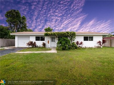 Boca Raton Single Family Home For Sale: 425 NE 36th St
