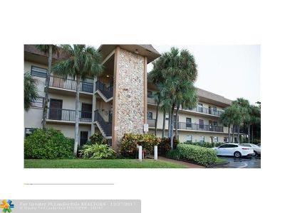 Tamarac Condo/Townhouse For Sale: 6095 N Sabal Palm Blvd #207