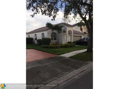 Pembroke Pines Single Family Home For Sale: 595 NW 159th Ln