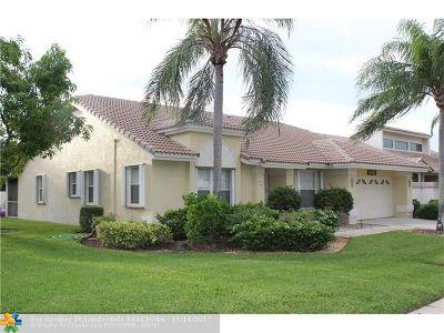 Boca Raton Single Family Home For Sale: 19625 Sedgefield Ter