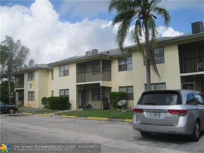 Delray Beach Condo/Townhouse For Sale: 2323 Linton Ridge Cir #D-6