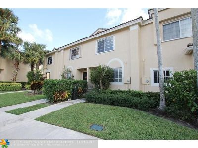 Coconut Creek Condo/Townhouse For Sale: 5758 48th Ave #5758