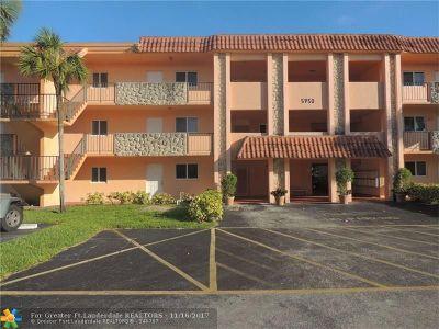Sunrise Condo/Townhouse For Sale: 5950 Del Lago Cir #207