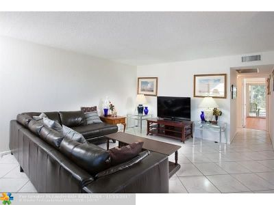 Deerfield Beach Condo/Townhouse For Sale: 465 Keswick C #465