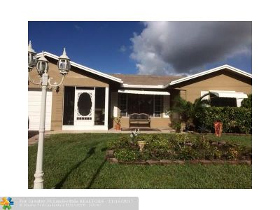 Tamarac Single Family Home For Sale: 6596 Westwood Blvd