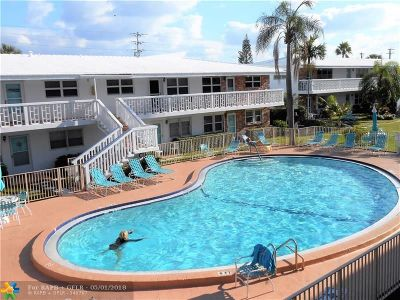 Lauderdale By The Sea Condo/Townhouse For Sale: 228 Hibiscus Ave #331