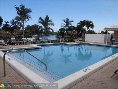 Pompano Beach Condo/Townhouse For Sale: 180 Cypress Club Dr #806