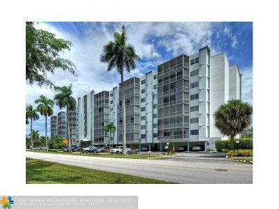 Hallandale Condo/Townhouse For Sale: 200 Diplomat Pkwy #232