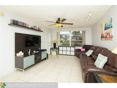 Plantation Condo/Townhouse For Sale: 7500 NW 17th St #107