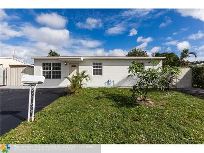 Broward County Single Family Home For Sale: 1611 N 70th Ave