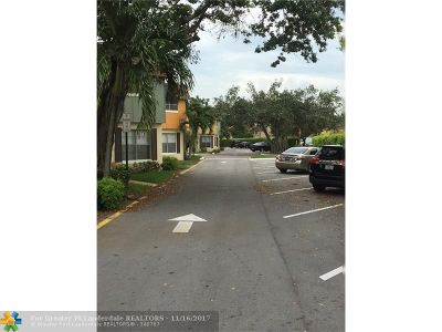 Plantation Condo/Townhouse For Sale: 849 NW 46th Ave #849