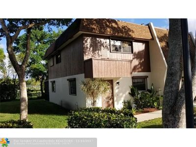 Broward County Condo/Townhouse For Sale: 2161 N 14th Ave #2161