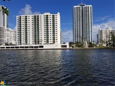 Hallandale Condo/Townhouse For Sale: 800 Parkview Dr #426
