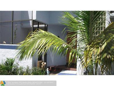 Davie Condo/Townhouse For Sale: 2768 S University Dr #12A