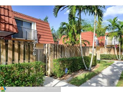 Plantation Condo/Townhouse For Sale: 726 NW 99th Cir #726