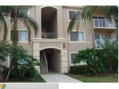 Coconut Creek Condo/Townhouse For Sale: 5045 Wiles Rd #303